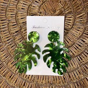 Resin leaf earrings 🍁